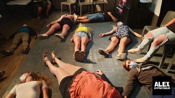 Soirées hypnotiques dans les campings pendant tout l'été 2020 (1)